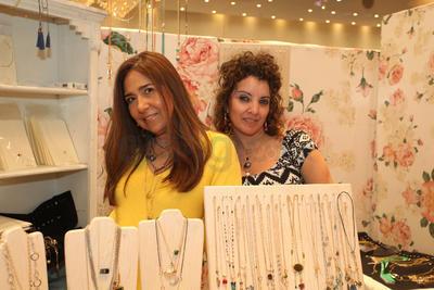 Paty Rojas e Irma Saucedo.