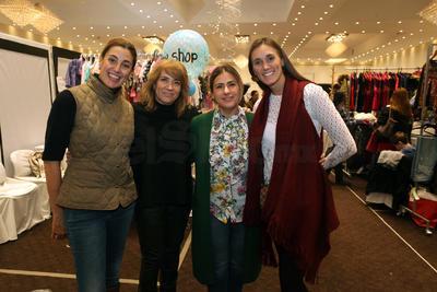 Titi Sánchez, Marcela Salas, Gaby Salas y Ana Salas.