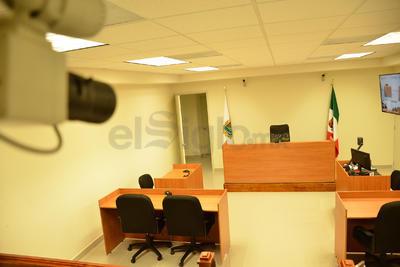 Además, las instalaciones cuentan con sistema de videovigilancia, así como grabación de los juicios.