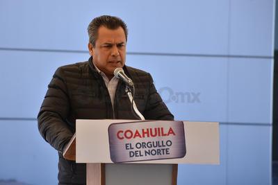 El presidente municipal de Torreón, Jorge Luis Moran también estuvo presente en la ceremonia de entrega.