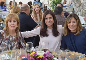 Martha, Raquel y Lupita