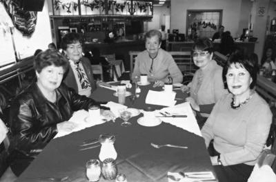 26112017 Sra. Mesta, Sra. Juanita Enríquez, Sra. Olivia, Sra. Irma y Dra. Imelda W.
