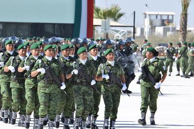 Peña Nieto inaugura megacuartel de SP