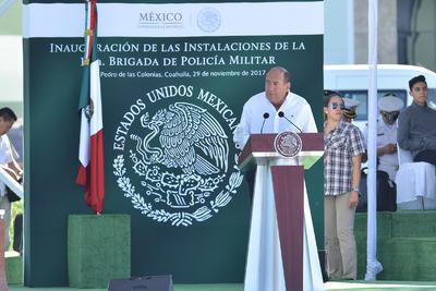 El primero en tomar la palabra fue Rubén Moreira, quien aprovechó la ocasión para hacer un recuento de lo hecho en su sexenio que termina, destacando el tema de la seguridad.