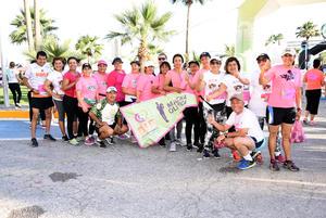 01122017 CORREN CON CAUSA.  Grupo de marchistas del DIF Torreón adultos mayores Línea Verde.