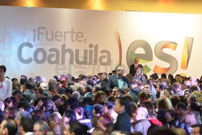 Horas más tarde, ofreció otro mensaje, ya a la ciudadanía en general, en un centro de eventos de Saltillo.