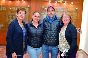 04122017 Blanca, Paloma, Octavio e Irene.