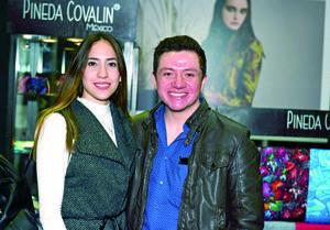04122017 Jennifer Beuchot y Fernando González.