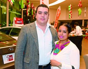 04122017 EN RECIENTE EVENTO.  Juan Antonio y Diana.