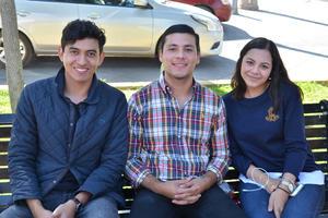 05122017 Luis Mario, Alejandro y Rebeca.