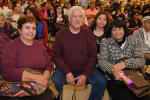 05122017 Patricia, Héctor, Pina y Lola.