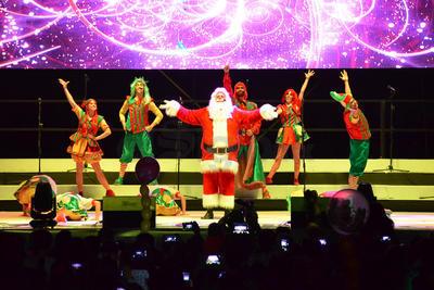 El show navideño presentado en la Plaza Mayor.