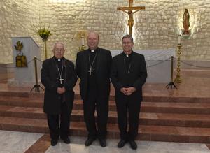 06122017 Monseñor Luis Martín Barraza Beltrán acompañado del Nuncio Apostólico en México, Franco Coppola, y el Obispo saliente y Administrador Diocesano Actual, José Guadalupe Galván Galindo.
