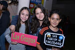 06122017 EN UNA FIESTA.  Camila, María Bárbara y Alberto.