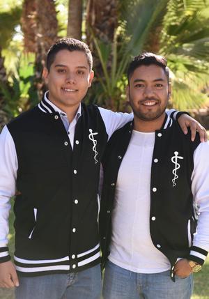 06122017 COMPAñEROS.  Noel y Santiago.
