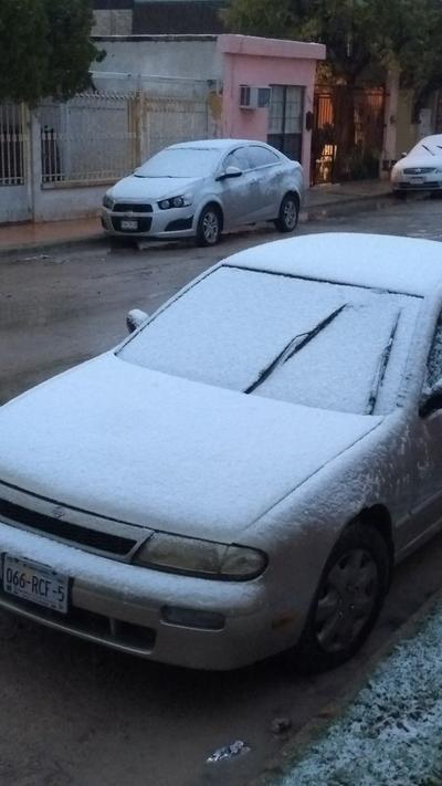 Usuarios de las redes sociales han compartido imágenes de la nieve.