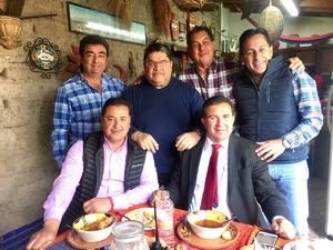 07122017 ENTRE AMIGOS.  Jorge, Ramón, Nicolás, Juan Carlos, Modesto y David en La Finca de Adobe de Francisco I. Madero, Coahuila.