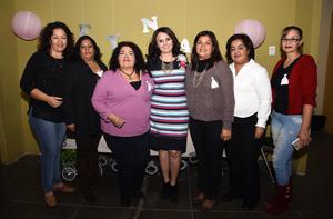 07122017 DESPEDIDA DE SOLTERA.  Reyna Collazo García con algunas de las invitadas a su festejo.