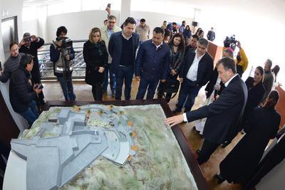 En la inauguración, Riquelme anunció la construcción de un parque ecológico en la zona aledaña al Cristo de las Noas, con una inversión de 40 millones de pesos.