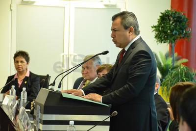 En el tema del Simas, señaló que se hizo una inversión de 270 millones de pesos con los que se abrieron 27 nuevos pozos de agua, además de que se recuperó la Planta Tratadora y se implementó el sistema de Telemetría.