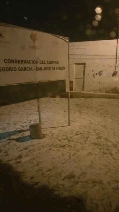 Así mismo, se reportaron lluvias ligeras en los municipios de Cuencamé, Guadalupe Victoria, Lerdo, Panuco de Coronado, Rodeo, San Dimas, San Luis del Cordero, Santa Clara, y Tepehuanes.
