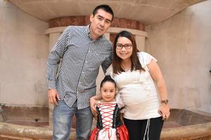 08122017 Antonio, Camila y Laura.