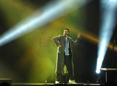 Luego de confesar que tenían frío en sus manos; los artistas cantaron Fui, rola incluida en su producción discográfica Un día más (2008).