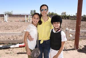 Regina, Mariana y Sofi