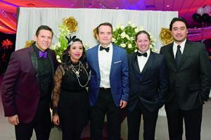 11122017 EN FESTEJO.  Roberto, Maw, Jorge, Sergio y Miguel.