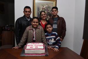 10122017 CUMPLE 10 AÑOS.  Helen Rangel acompañado de sus papás, Cuauhtémoc Rangel Gutiérrez e Ivonne Valenzuela de Rangel, y sus hermanos, Sergio y Fernando.