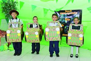 11122017 ACTIVIDAD ESCOLAR.  Iván, Anhuar, Santiago y Fernanda.