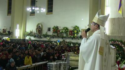 """La misa de """"gallo"""" estuvo encabezada por el nuevo Obispo de Torreón Monseñor Luis Martín Barraza Beltrán."""