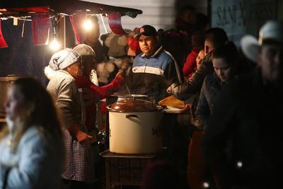 Duranguenses veneran a la Virgen de Guadalupe