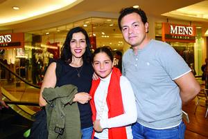12122017 Ana Sofía, Emilia y Manuel.