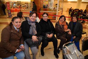 14122017 Verónica, María del Sol, Janeth, Elida y Martha.