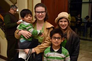 14122017 Antony, Teresa, Valeria y Edgar.