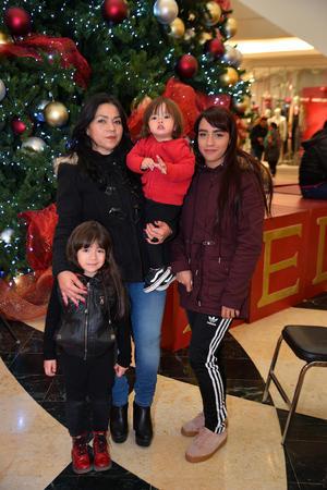 14122017 Blanca, Karime, Roxan y Megan.