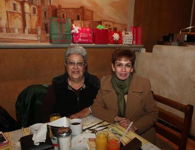 Martha Pizarro y Maru Blanco.