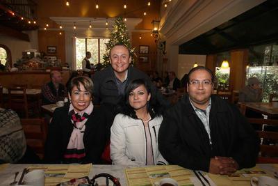 Raúl Frayre, Alma Muñoz, Eduardo Flores y Violeta Nájera.