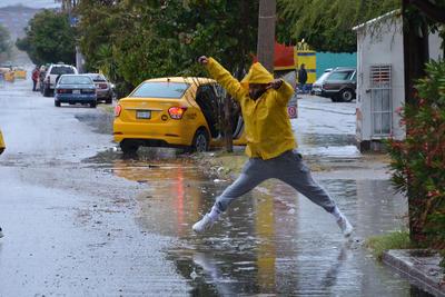 Laguneros tuvieron que lidiar nuevamente con las lluvias.