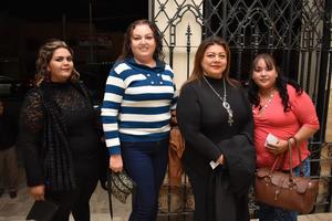 16122017 EN EL TEATRO.  Blanca, Gabriela, Analía y Sandra.