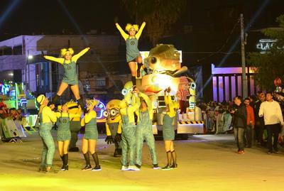 Participantes se caracterizaron de Los Minions.