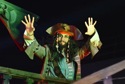 """""""Jack Sparrow"""" saludó a los laguneros."""