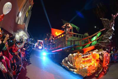 Llevan una 'Dulce Navidad' a las calles de Torreón