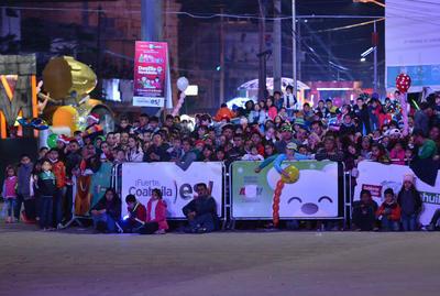 Miles de pequeños disfrutaron del desfile.