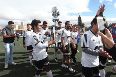 El primer lugar, contra el tercero, se vieron las caras en la gran final de la Categoría  Premier de la Liga de Futbol Guadalupe Victoria.