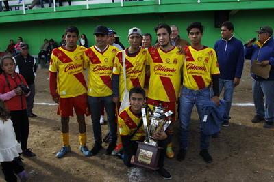 25 años atrás el técnico del Mega, Enrique Gamero, había dirigido su última temporada en esta liga y había sido campeón.