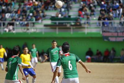 La final de la Liga de Futbol Benito Juárez, donde los industriales levantaron el trofeo de campeones de Premier.