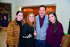 17122017 Andrea, Cony, Miguel y Paola.
