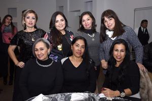 19122017 Connie, Rosy, Blanca, Viviana, Olivia, Magda y Martha.